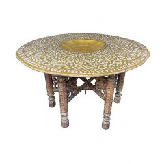 1920S MOROCCAN CARVED WOODEN FOLDING TABLE WITH BEAUTIFUL HAMMERED BRASS TOP