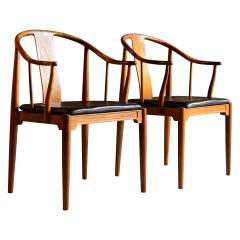 Hans Wegner China Chairs in Walnut for Fritz Hansen, Denmark, 1977