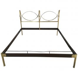 Mid-Century Modern Italian Gilt Brass Bed with Lacquered Metal Structure, 1960s