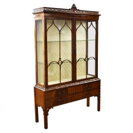 Fine Quality Flamed Mahogany Chinese Chippendale Style Display Cabinet