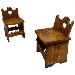 Pair of Folk Art Carved Oak Chairs, 1900s