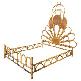 Mid-Century Modern Italian Peacock Queen Size Wicker and Bamboo Bed, 1970s