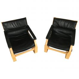 1970s Pair of Ake Fribytter Lounge Chairs in Beech and Black Leather by Nelo