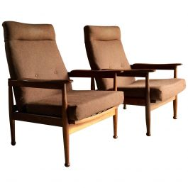 Magnificent Pair of Guy Rogers Style Teak Recliner Armchairs Manhattan Design
