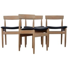 Beautiful Set of Four Dining Chairs in Solid Oak, Danish Design