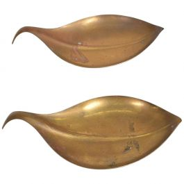 Mid-Century Modern Brass Dish Decorative Plates in Brass Leaf Shape