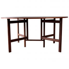 Stunning Rarely Seen Dining Table in Teak, Danish Design