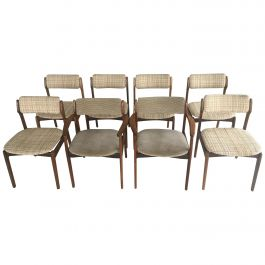 Set of Six Erik Buch Dining chairs and Two Armchairs in Rosewood