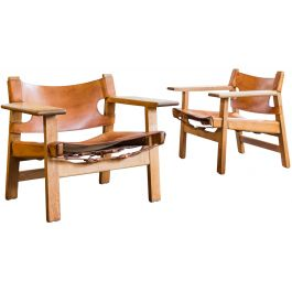 A PAIR OF OAK AND LEATHER SPANISH CHAIRS (MODEL 2226) BY BORGE MOGENSEN (1914 - 1972)
