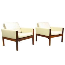 AP62 Hans Wegner Lounge Chairs