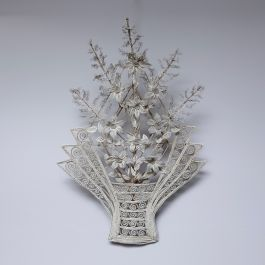 EARLY 20THC GLASS BEADED BOUQUET