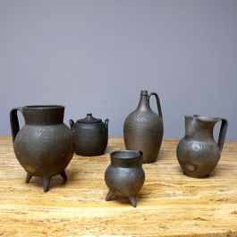 COLLECTION OF 1940'S POTTERY VESSELS